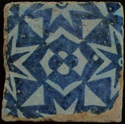 Manises tile forming a star